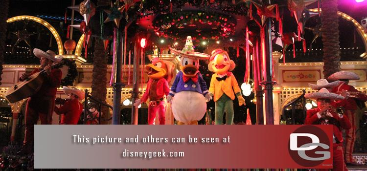 11/21 - A visit to the Disneyland Resort focused on holiday festivities including Viva Navidad! Street Party, Jingle Cruise, World of Color Winter Dreams, and more.  Plus a check of some of the ongoing projects and my regular assortment of random pictures as I roamed the parks.