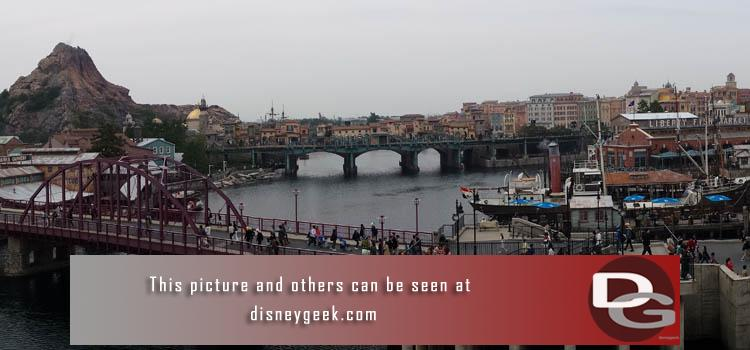 Tokyo DisneySea turns 15 today (9/4) - Here are my full picture sets and trip report from a 2015 visit