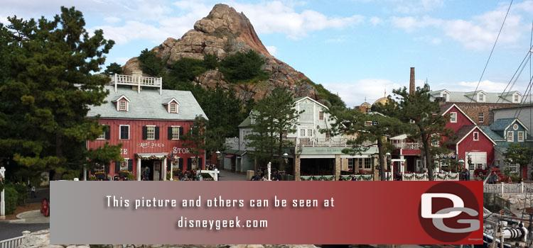 Pictures, videos & more from a week at the Tokyo Disney Resort.