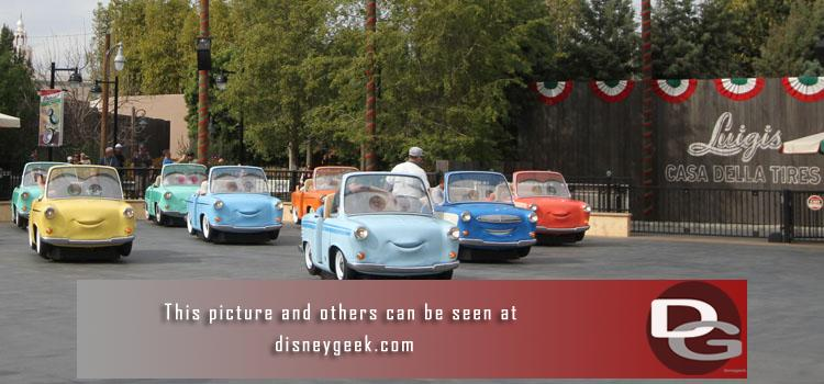 3/4 - A first look at Luigis Rollickin Roadsters and a check of the ongoing projects around the parks.