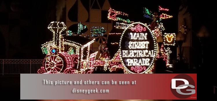 8/11 - Final performances of the 2017 All-American College Band, a trip on the Jungle Cruise, Main Street Electrical Parade plus a check of Star Wars construction and my regular assortment of random pictures.