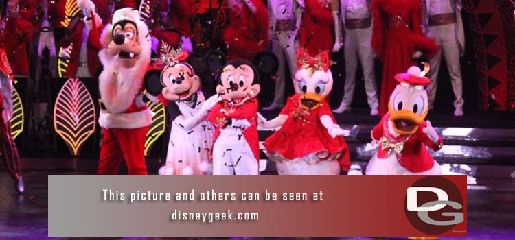 Picture posts, videos, trip logs, thoughts & observations from my November 2019 visit to Disneyland Paris to check out the Christmas Festivities