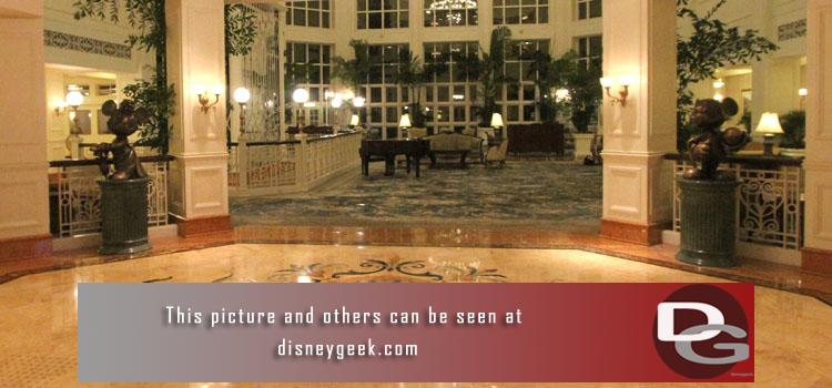 4/5-6: Pictures, thoughts & observations from my journey to Hong Kong and a first look at the Hong Kong Disneyland Hotel including our room