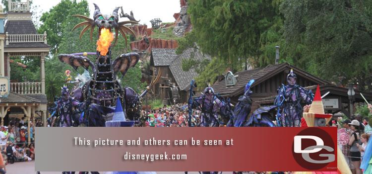 4/29 - Part 2 of Day 1 features a look at the Festival of Fantasy Parade and the Polynesian DVC work.