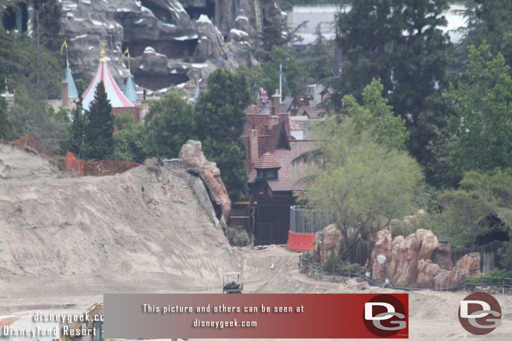 6.10.16 - Thought this was interesting, they dug down quite a bit from the old level.  Notice the cart and where the railing level is on the old Big Thunder trail.