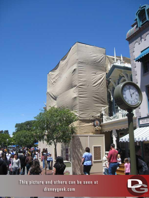 Some repainting on Main Street