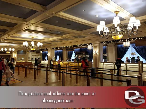Started my last full day at Disneyland Paris off taking a look around the Newport Bay Club.   The lobby was not too crazy this morning so here is a look around.