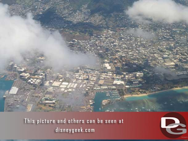 Thought a good place to start is at the beginning..  so here is a look down on Waikiki (on the right) as we made our final approach into Honolulu International.  This was around 11:15am.  Ko Olina is approx 17 miles from the airport.