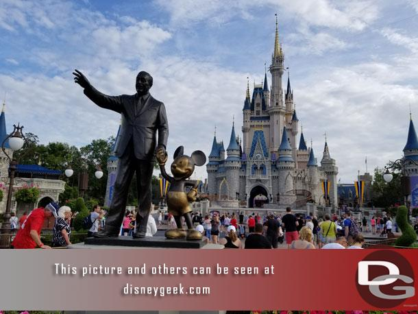 Mickey and Walt Disney, Partners Statue