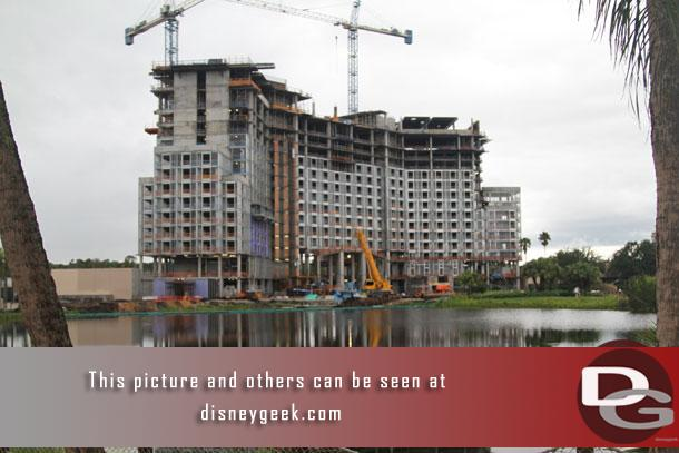 The new Coronado Springs tower. It appears they are working on the rooftop with all the guest floors framed out.